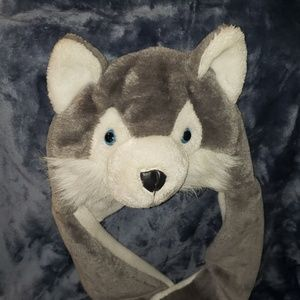 Wolf hat w/hand pockets